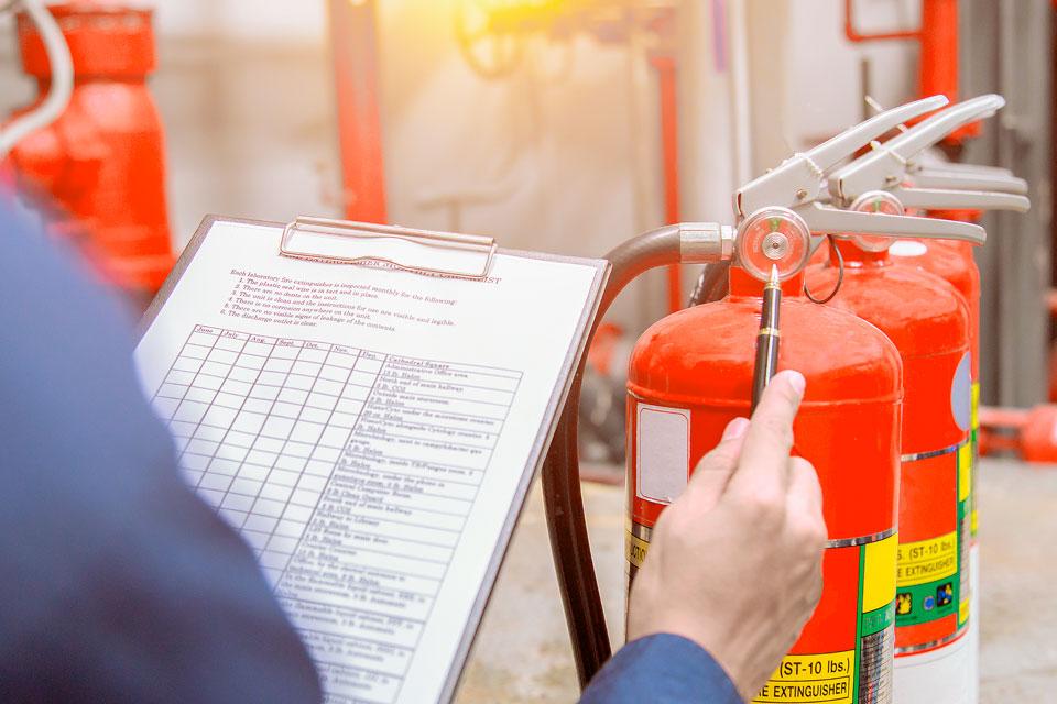 organisatorischen-Brandschutzes-nach-dem-Arbeitsschutzgesetz-und-der-DGUV-Information-205-023-asd-seifert-greifswald